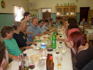 Eating lunch at A Conchinha with the crew of the Zambujal excavations, directed by Michael Kunst (left, blue plaid shirt)